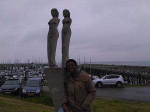 Enjoying the air and the statutes
